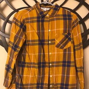 Size S Old Navy classic fit flannel shirt
